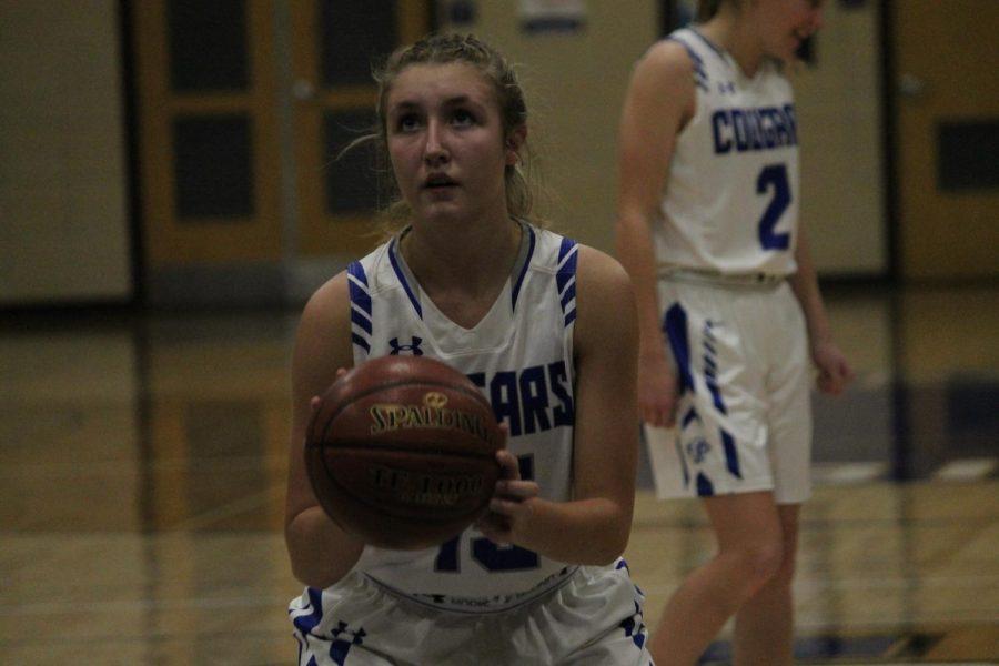 Girls Varsity Basketball falls to Verona 47-44 in final seconds