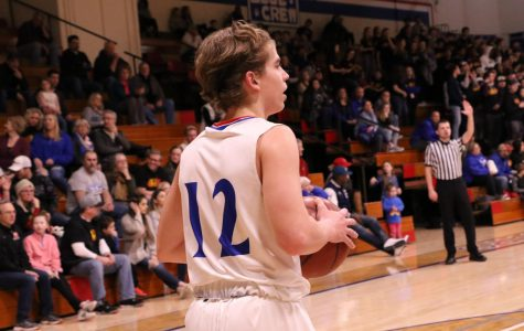 Basketball slips ahead of Middleton in a 45-43 victory