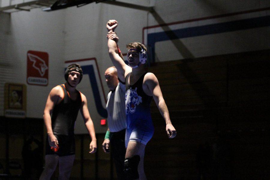 Craig Wrestling beats Verona 55 to 15