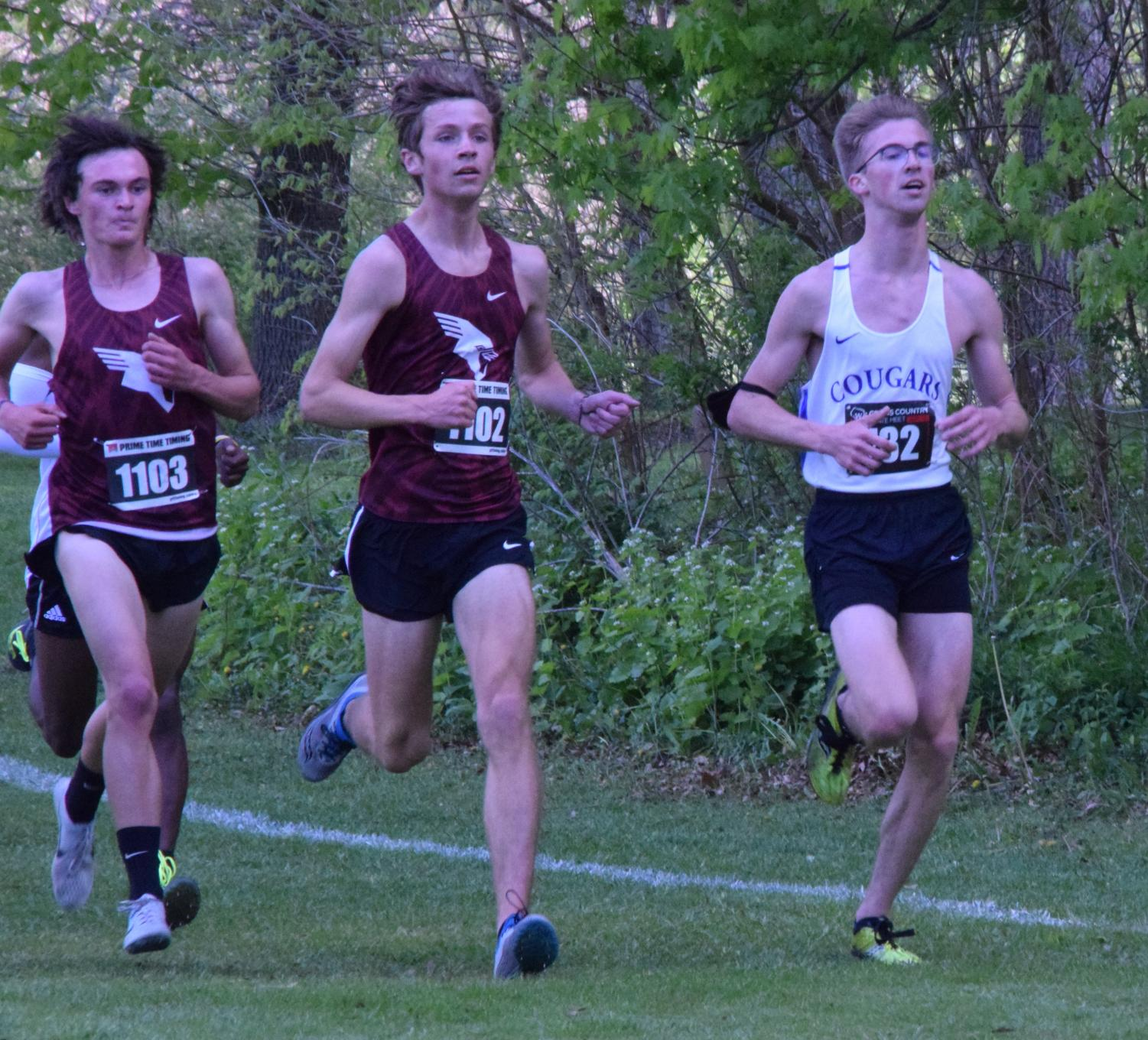 Bloomquist runs to 4th at state meet