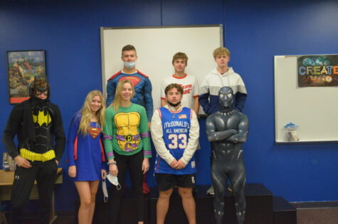Homecoming Thursday: Color wars, Superheroes and White lie t-shirt